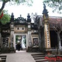 Có nên xây nhà gần đền chùa, miếu mạo ?